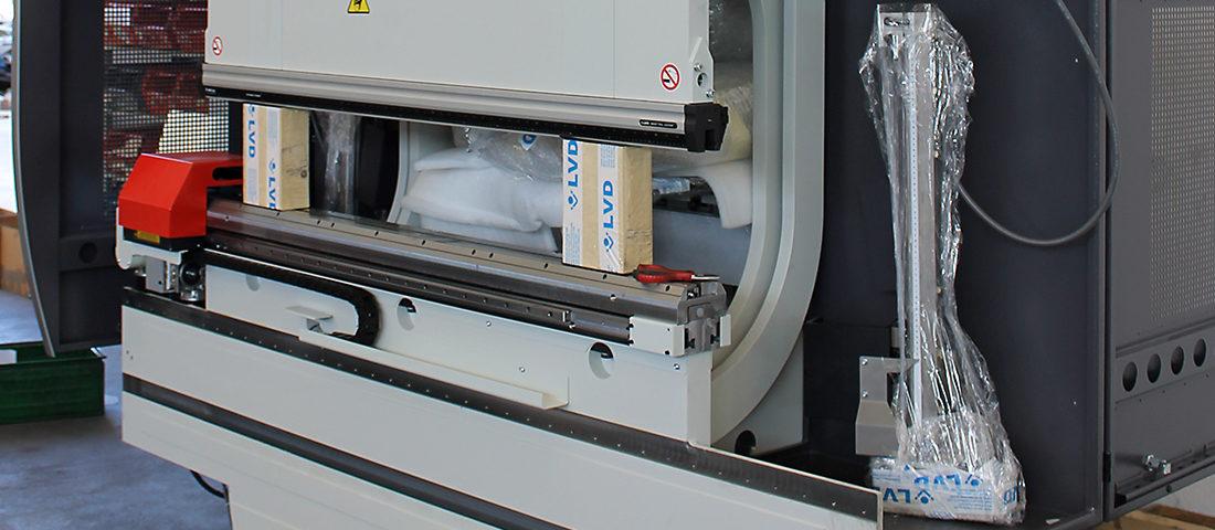 Foto della nuova Presso-piegatrice, marca LVD, modello PPEB 80-1500 EASY-FORM